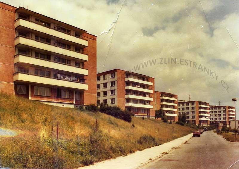 https://zlin.estranky.cz/img/original/1079/1972-80---jizni-svahy---ulice-nad-stranemi-v-lete-1985.jpg