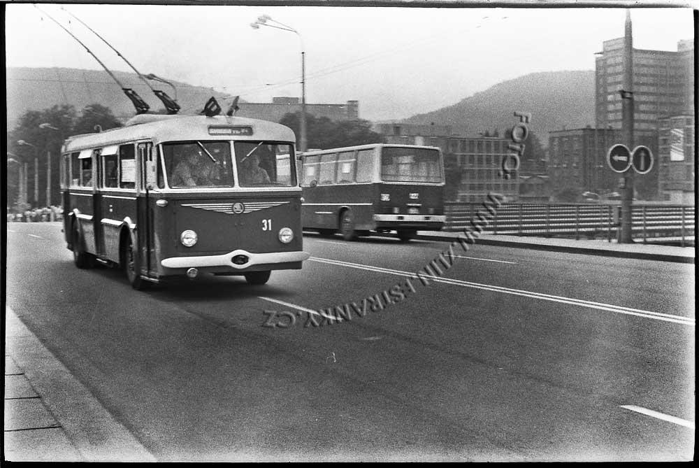 1989 - nadjezd na Jižní svahy - otevření trolejbusové dráhy 00