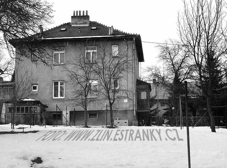 https://zlin.estranky.cz/img/original/878/1940---mokra-ii.---dvojdomek--.jpg